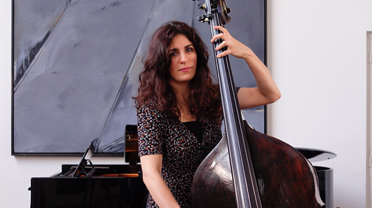 Warming up — Double Bass Lesson with Lorraine Campet